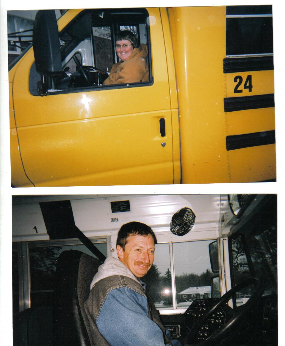 Click image for larger version  Name:our bus pics.jpg Views:149 Size:120.4 KB ID:27123