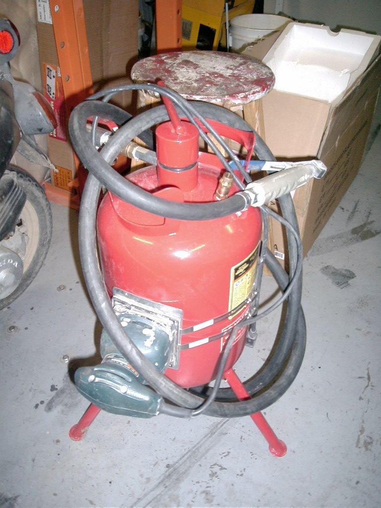 Problem: keeping media flowing in HF pressurized blaster