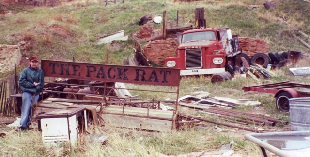 Click image for larger version  Name:Packrat.jpg Views:155 Size:80.6 KB ID:25215