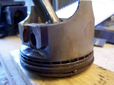Click image for larger version  Name:Piston 1.jpg Views:132 Size:44.8 KB ID:12427