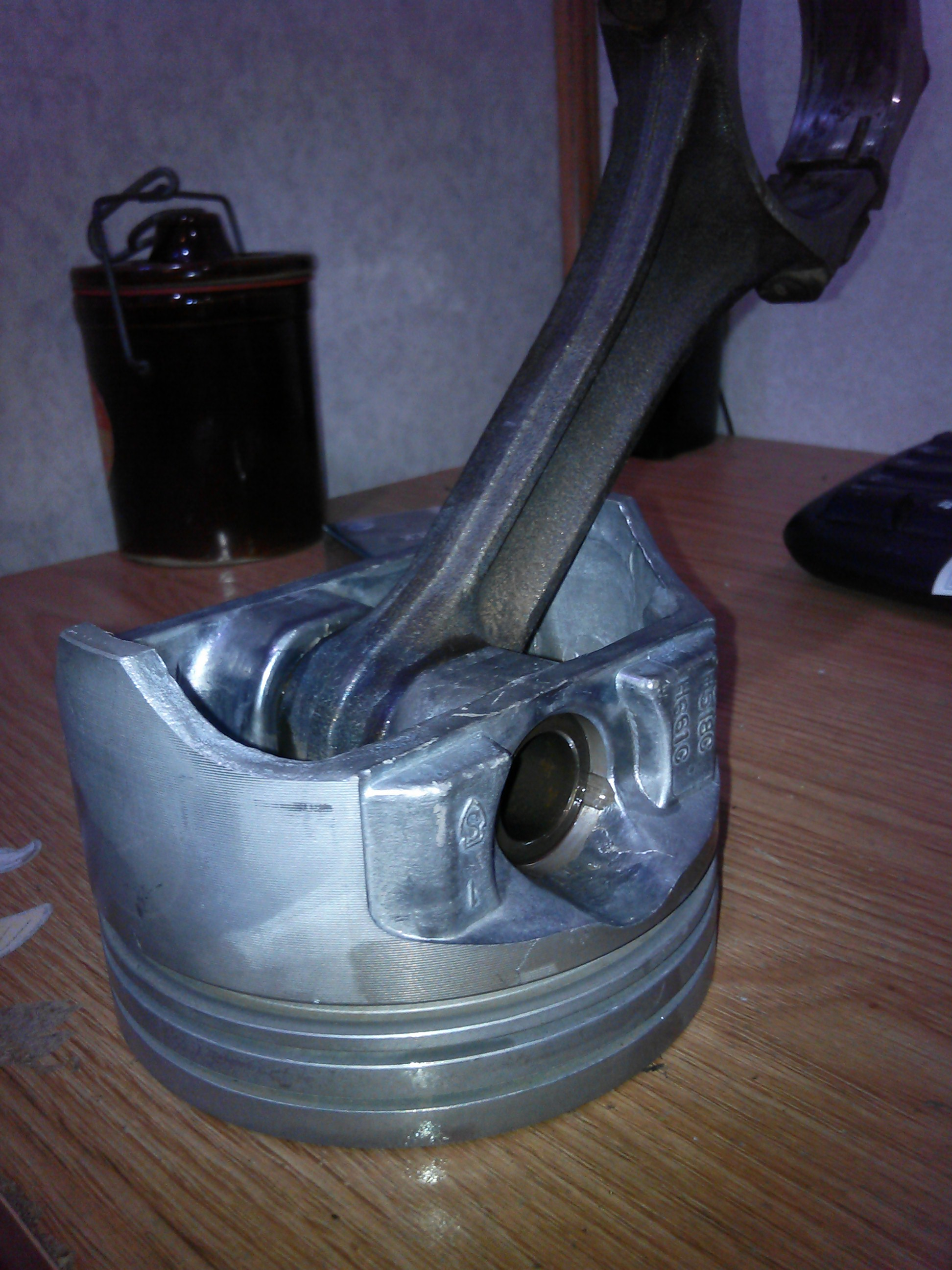 Click image for larger version  Name:Pistons.jpg Views:263 Size:784.1 KB ID:72182