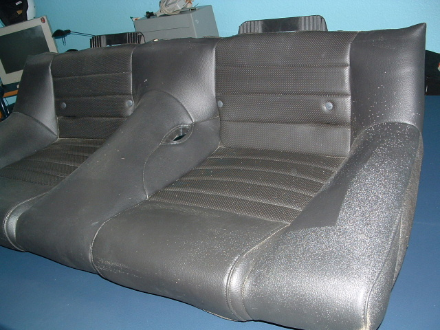 Click image for larger version  Name:rear seat9.JPG Views:180 Size:139.0 KB ID:36343