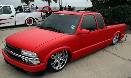 Click image for larger version  Name:redhrftruck.jpg Views:2590 Size:40.7 KB ID:25997