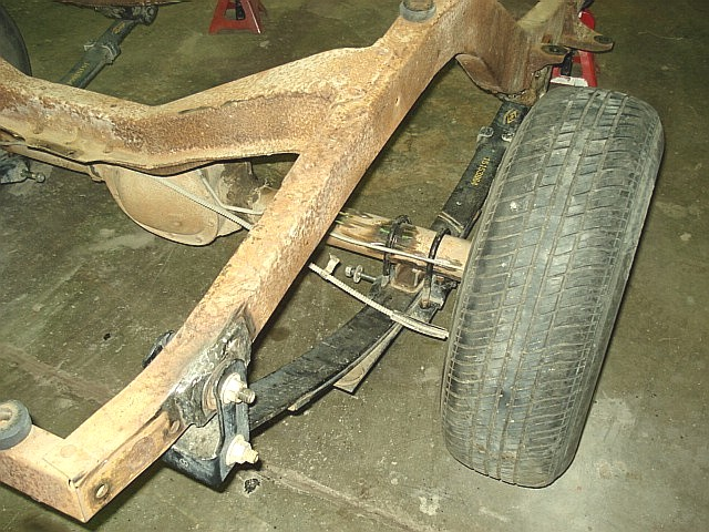Click image for larger version  Name:Right Duel Leaf Spring on 46.JPG Views:511 Size:120.0 KB ID:62786
