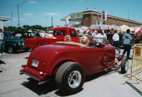 Click image for larger version  Name:Rosina & Cheryl cruize our '32.jpg Views:77 Size:103.0 KB ID:74223