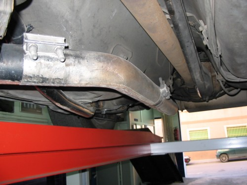 Click image for larger version  Name:Scraped_exhaust.jpg Views:95 Size:44.4 KB ID:4097