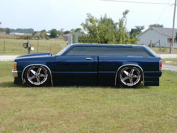 Click image for larger version  Name:station wagon s10.jpg Views:140 Size:49.7 KB ID:1392