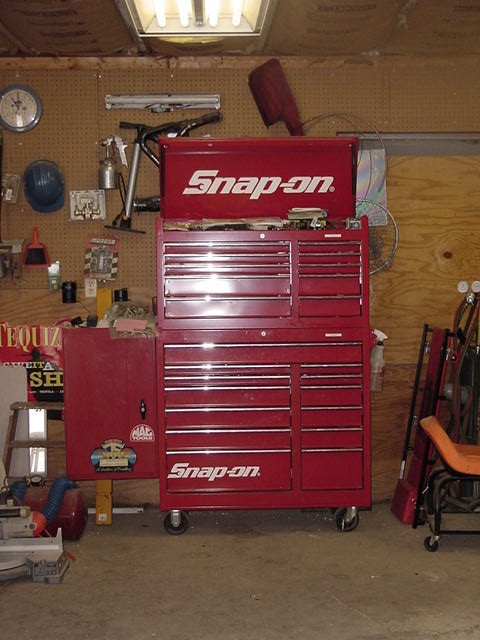 Click image for larger version  Name:Toolbox 002.jpg Views:198 Size:72.9 KB ID:13982