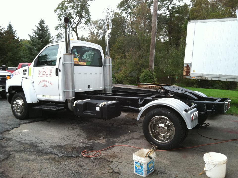 Click image for larger version  Name:truck.jpg Views:96 Size:143.6 KB ID:58735