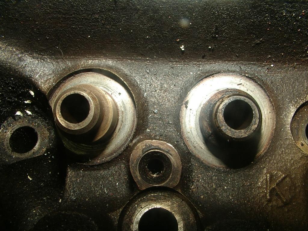 Click image for larger version  Name:v8 valve guide 004.jpg Views:333 Size:220.4 KB ID:51262