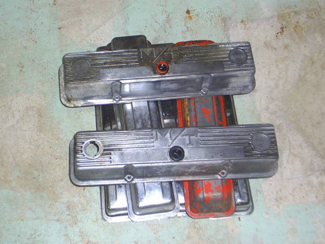 Click image for larger version  Name:Valvecovers.JPG Views:107 Size:50.8 KB ID:7944