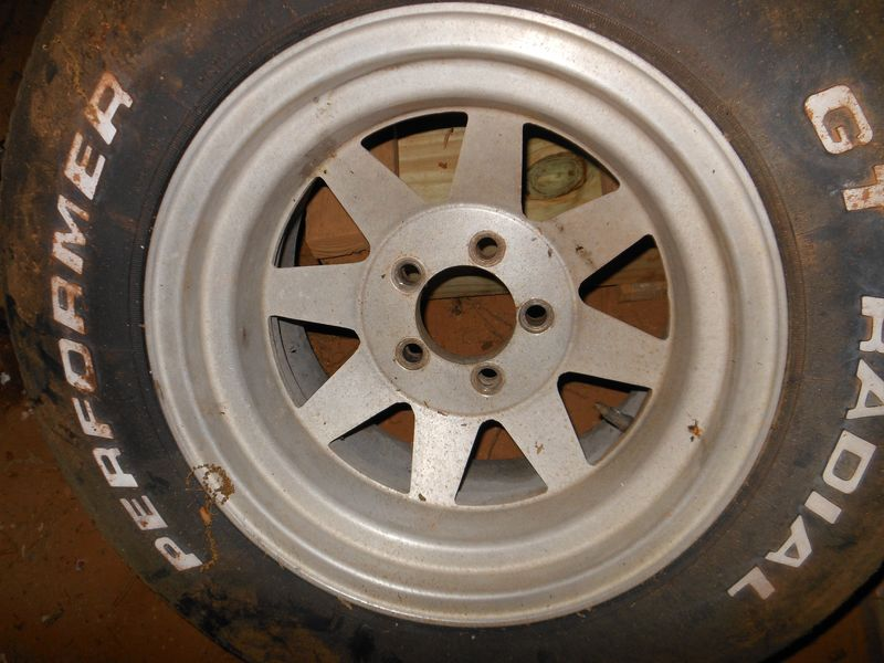 Click image for larger version  Name:wheel [].jpg Views:96 Size:136.2 KB ID:73750