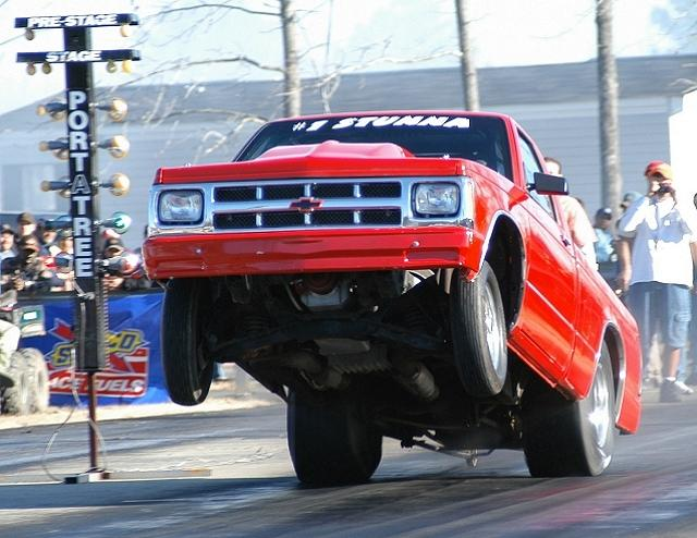 Click image for larger version  Name:wheelstand08.jpg Views:237 Size:57.6 KB ID:660