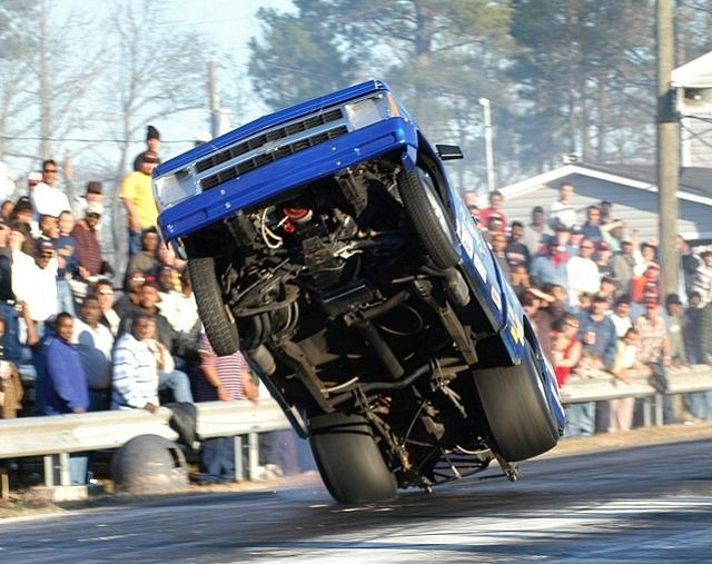 Click image for larger version  Name:wheelstand13.jpg Views:234 Size:67.4 KB ID:661
