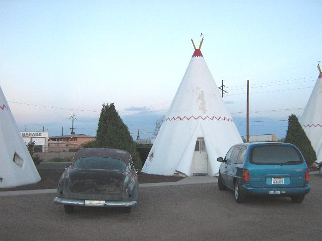 Click image for larger version  Name:Wigwam hotel.JPG Views:81 Size:31.9 KB ID:19634